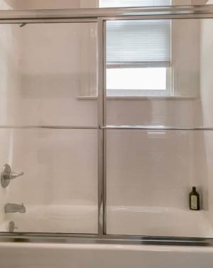 Alumax Shower door 640 Slider